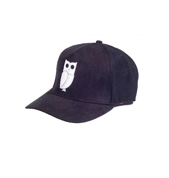 Zwart suede trucker cap. Uil. Caps kopen. Pet kopen. Beste kwaliteit. Veryus